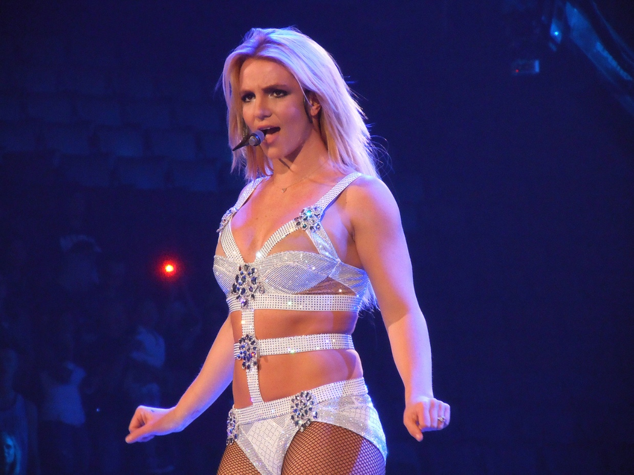 Britney Spears announces end of engagement.